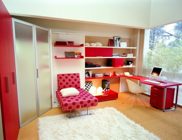 La camera da letto per i ragazzi e i bambini.