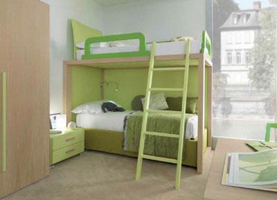 Guadagnare spazio nella camera dei ragazzi con un letto a castello.