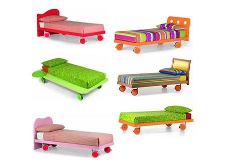 Il letto singolo per le camere dei bambini e dei ragazzi.