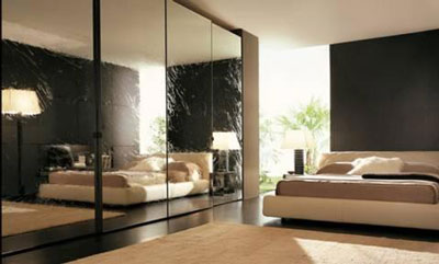 Come e dove posizionare gli specchi all 39 interno della for Specchi da camera da letto